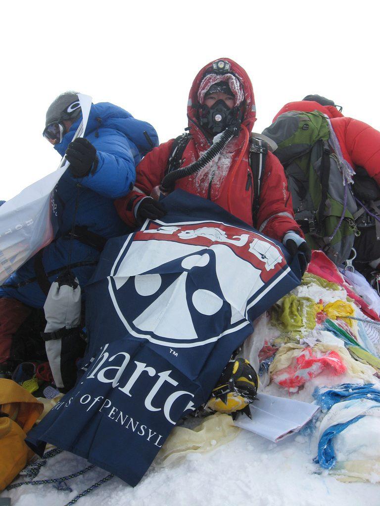 王雷登顶珠峰。(图片由本人提供)